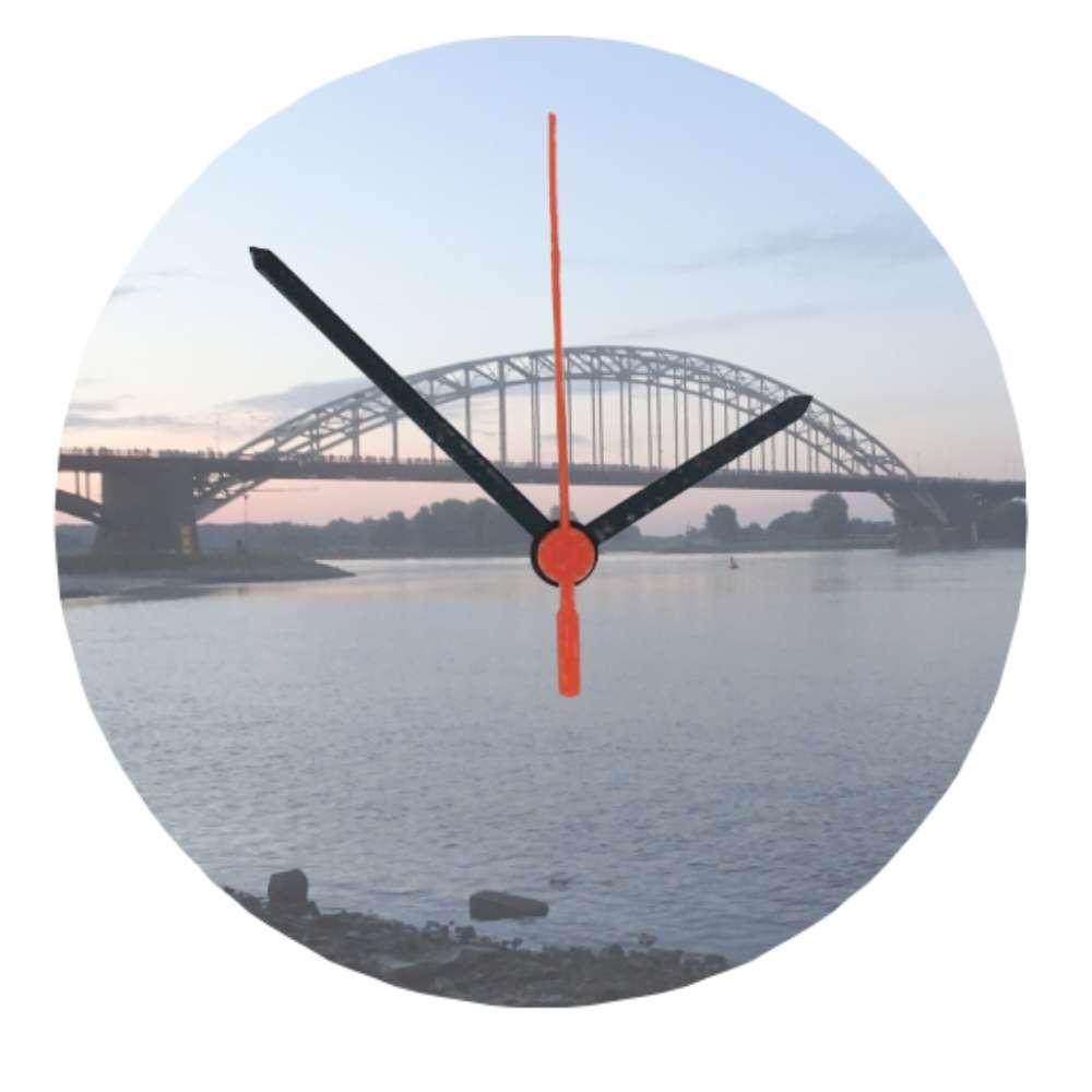 Nijmegen-klok-Waalbrug-_-Nijmegenmijnstad.nl