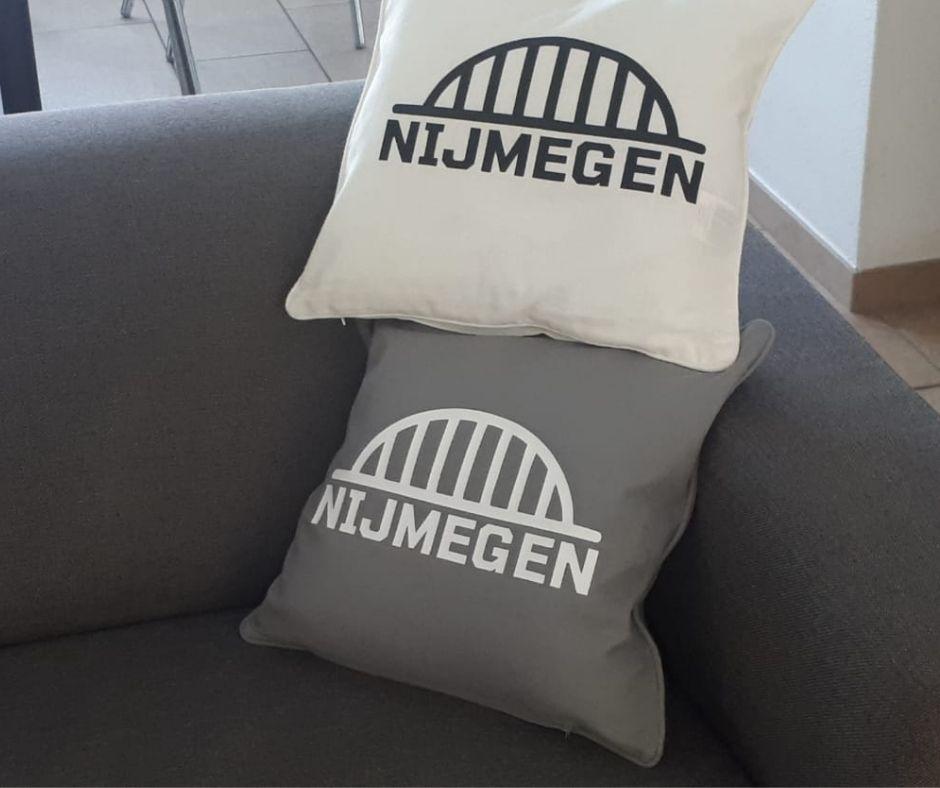 Nijmegen kussen aanzicht